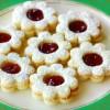 Raspberry Linzer Cookies Recipe and Tutorial