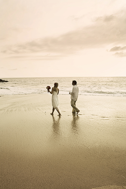 beach wedding couple in Mexico photo by Kate Harrison