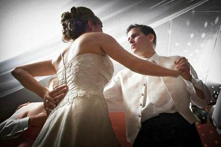Wedding dance couple photo by Ralph Heinze