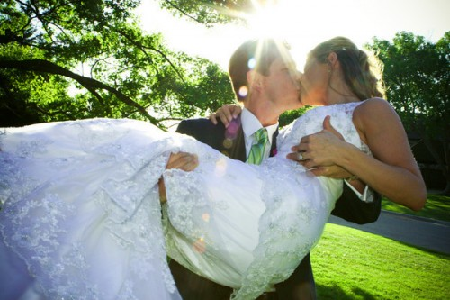 kissing-couple
