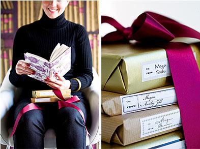 Những cuốn sách tỏ ra khá hữu ích và độc đáo khi khơi gợi nguồn cảm hứng trong trang trí tiệc cưới.