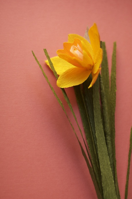crepe paper flowers daffodil