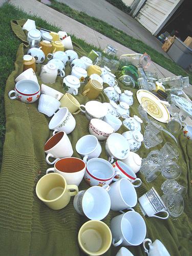 Những chiếc tách, chiếc ly mang phong cách cổ điển được tái sử dụng cho đám cưới.