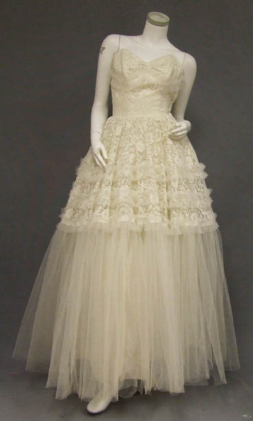 vintage wedding dress from vintageous