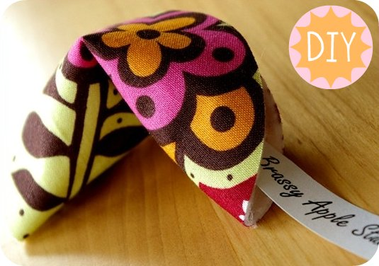 no-sew fabric fortune cookies