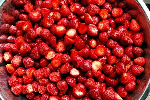 strawberries for strawberry jam