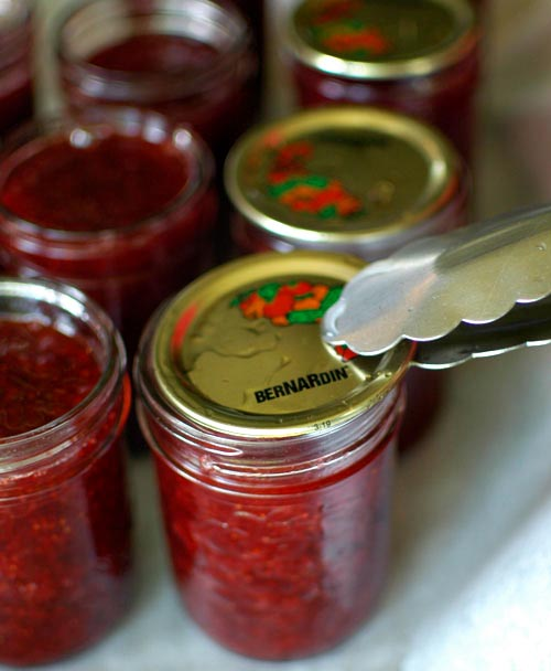 canning homemade jam