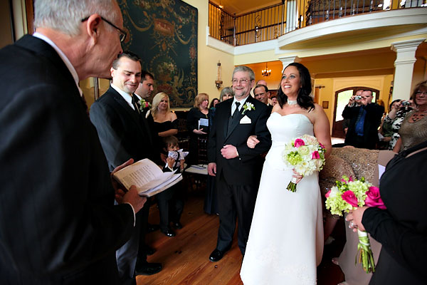 inn wedding ceremony