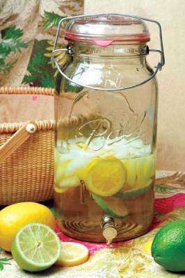 mason jar for drinks