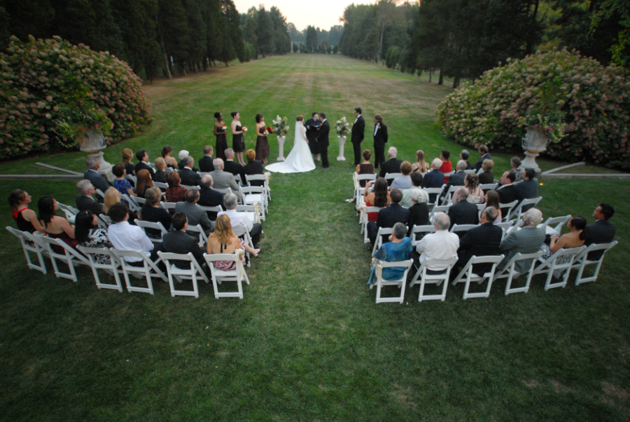 outdoor ceremony at wadsworth mansion