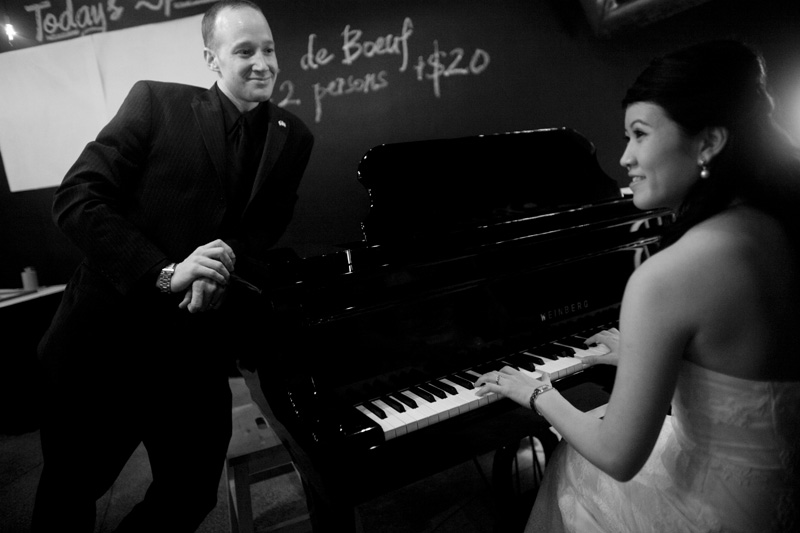 An Intimate Restaurant Wedding at Le Bistrot du Boulevard in Singapore - Photo Courtesy of Justin Mott