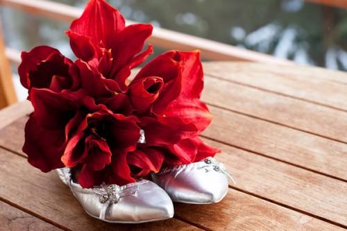 red flowers winter bouquet