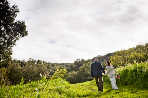 wedding couple in meadow