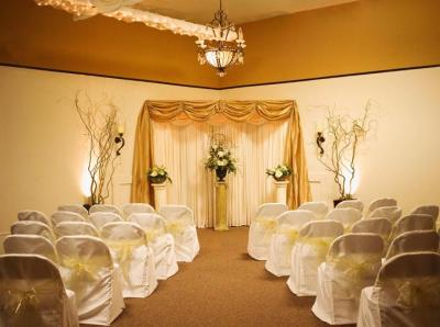 Texas Brides On A Budget The Dfw Wedding Room Offers