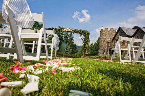 outdoor wedding at castle ladyhawke
