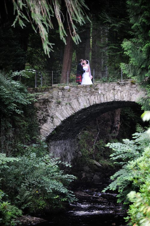 small-wedding-bridge