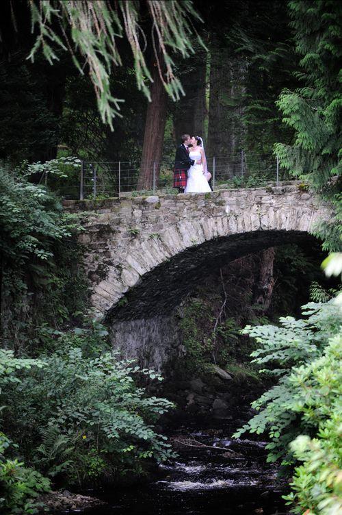 small-wedding-bridge