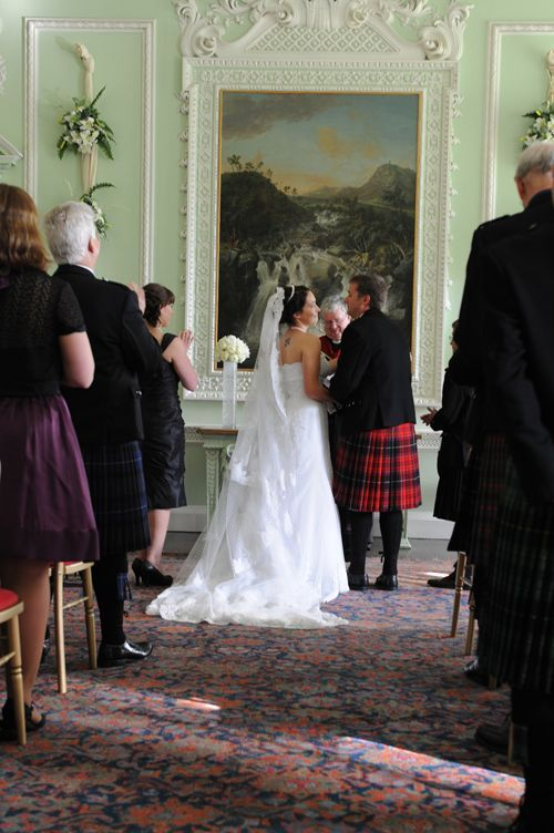 small-wedding-ceremony in scotland
