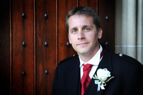 small-wedding-groom