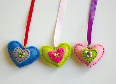 ribbon_felt_hearts