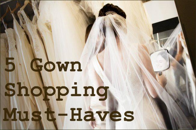 5 món đồ cần có khi đi thử váy cưới!