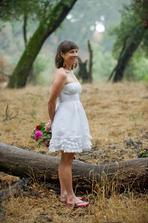 bride in short elopement dress