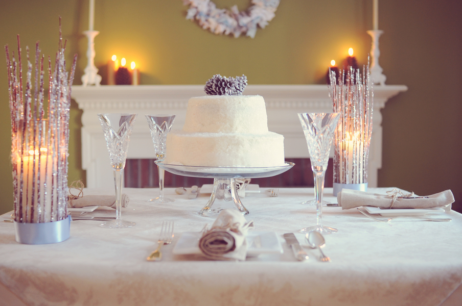 winter wedding place setting inspiration table decor