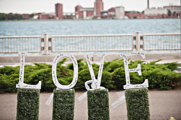 diy wedding details love wooden letters
