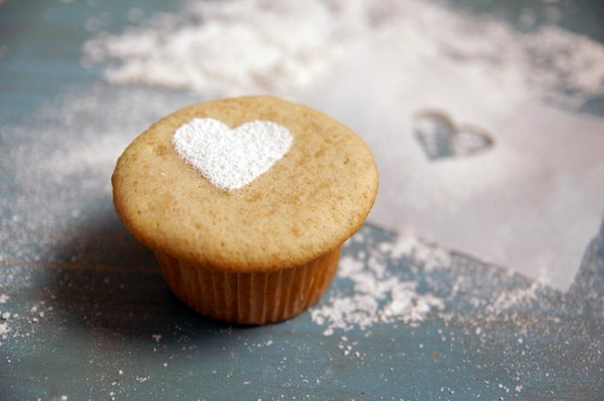 simple wedding heart cupcake white sugar