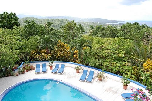 Khách sạn Mocking Bird Hill tại Jamaica là địa điểm tổ chức đám cưới lý tưởng cho những ai yêu thích phong cách Caribbean.
