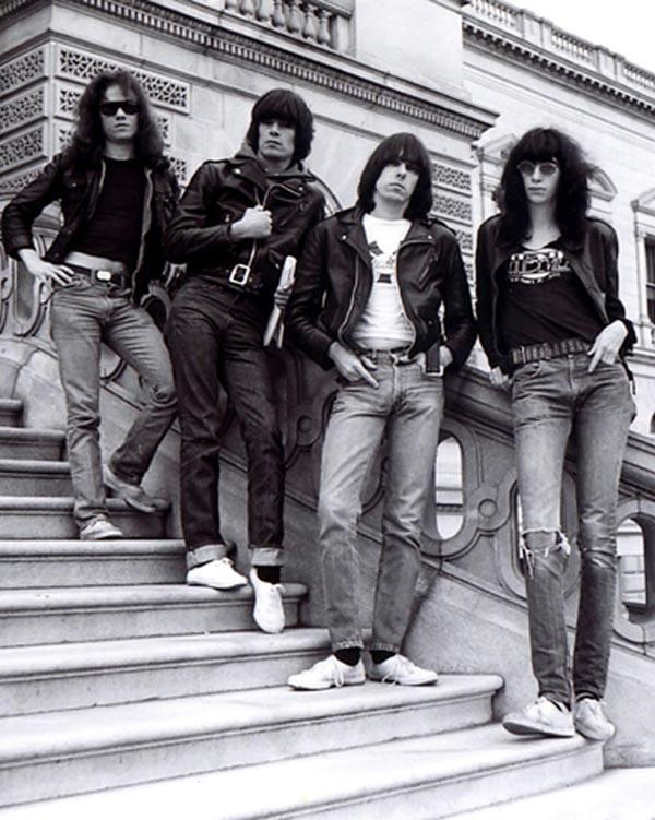 Sex Pistols- ban nhạc đi ngược lại các quy tắc cuối thập niên 70.