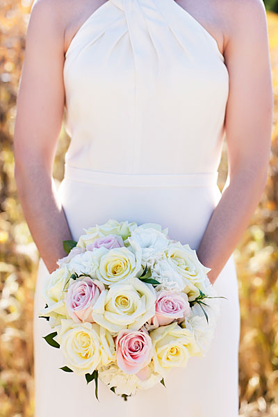 rose elopement bouquet