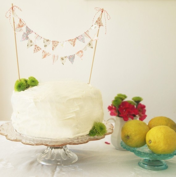 Take the Cake: Top 10 Unique Cake Toppers