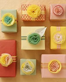 cupcake wrapper bows
