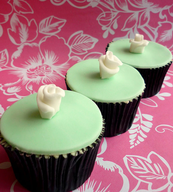 green wedding cupcakes