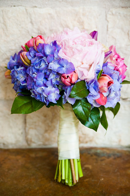 hydrangea-wedding-bouquet