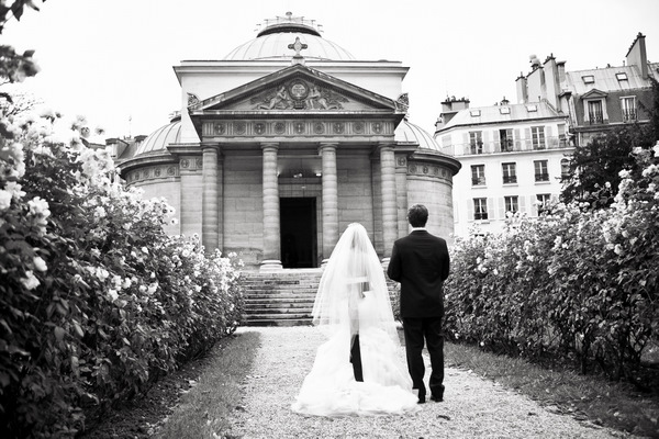 bride and groom walking on Paris estate