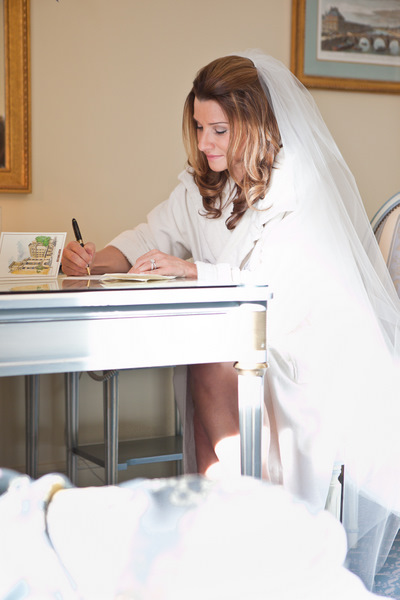 bride writing card