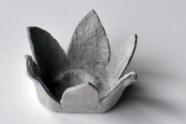 paper-daffodils-egg