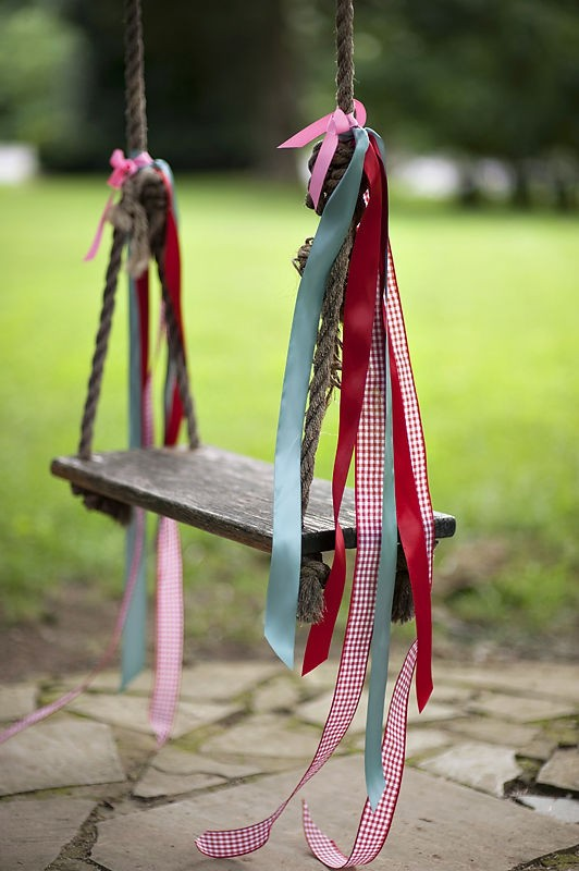 swing-with-ribbons