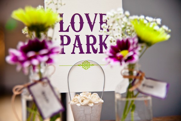 purple Love Park sign
