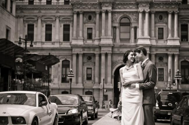 couple portrait in downtown Philadelphia