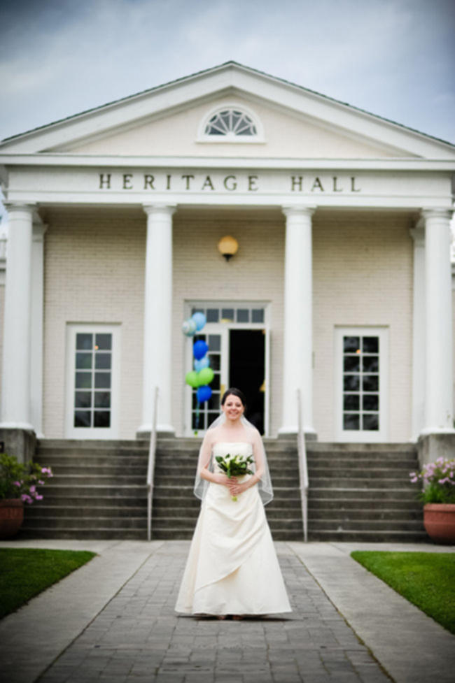 bride outside of heritage hall in Seattle
