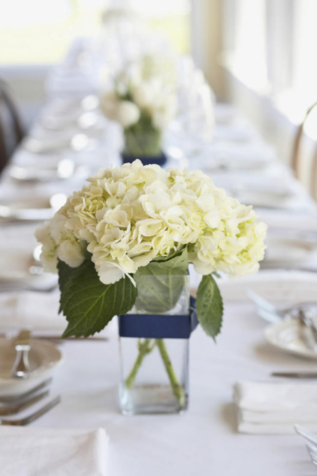 Hydrangea And Rose Centerpiece Diy : Beautiful and budget friendly flower arrangements at