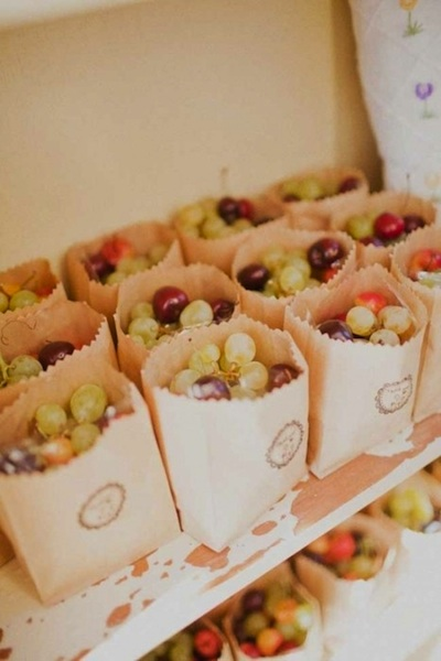 diy wedding favors  fresh fruit