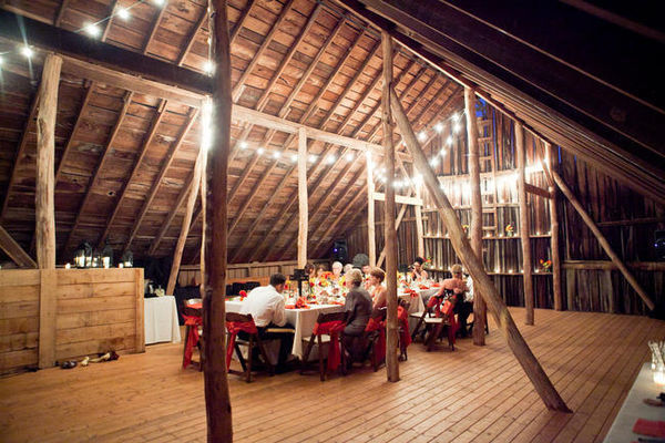 barn wedding dinner