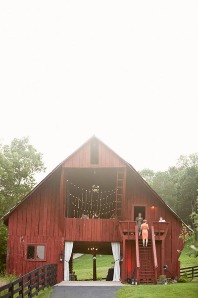 red barn wedding reception venue