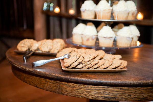 barn wedding sweet table