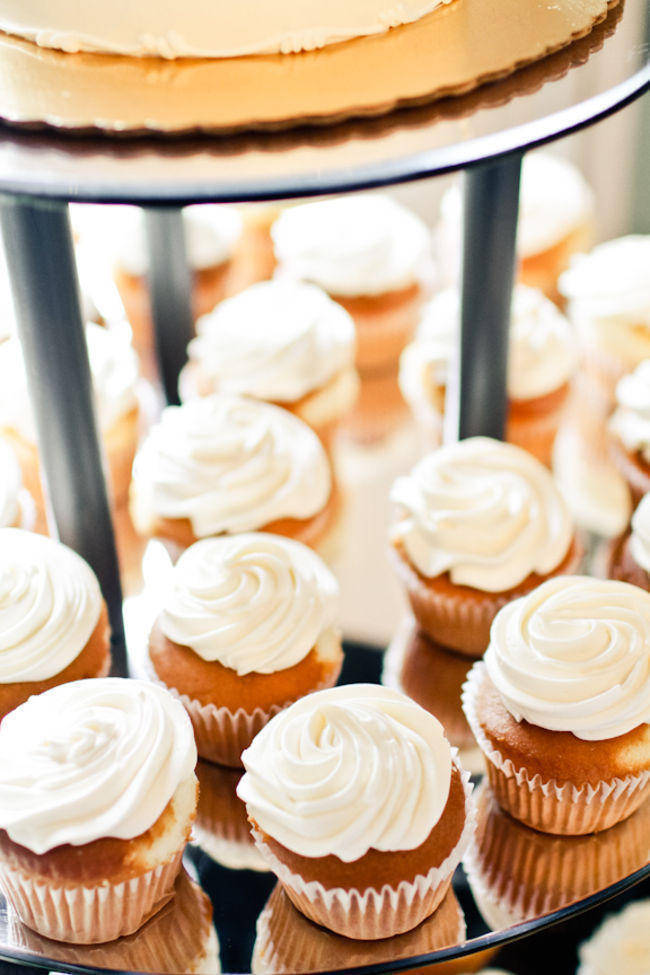 white frosted wedding cupcakes
