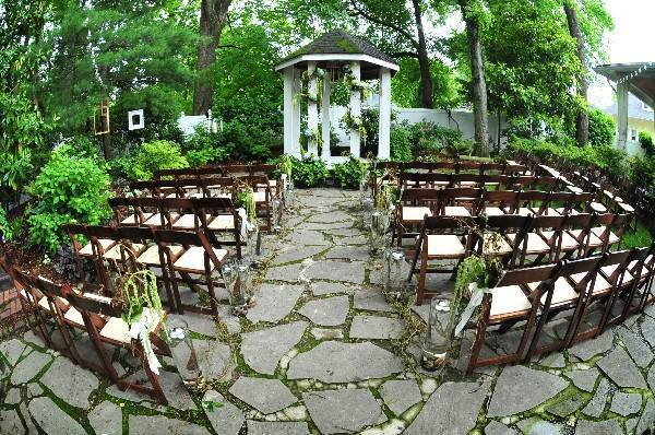 outdoor Tennessee wedding ceremony